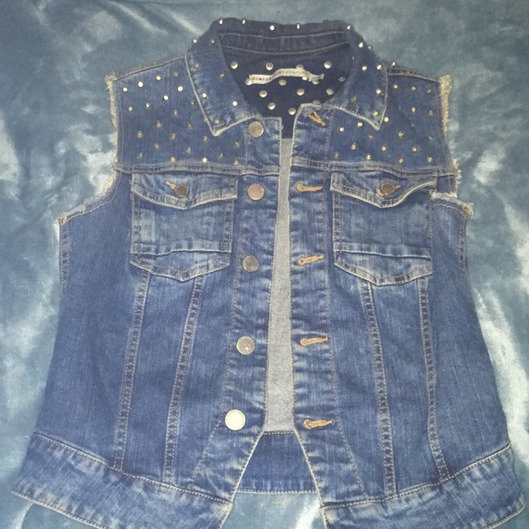 Romeo & Juliet Couture Other - FLAT SPIKE JEAN VEST